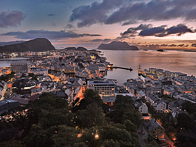 Norwegen, Alesund