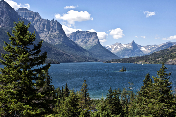 Glacier National Park, Landschaft an der Going-to-the-Sun-Road